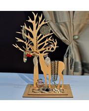 Олень Улль с деревом